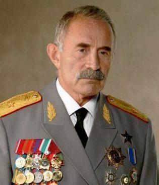 Аслаханов